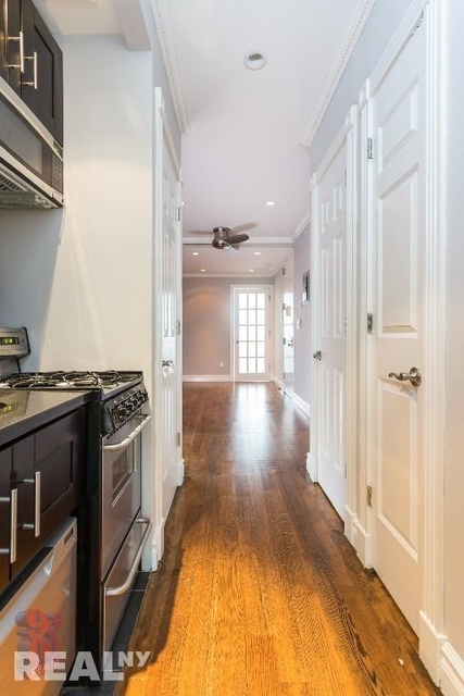 2 Bedrooms, Chelsea Rental in NYC for $4,895 - Photo 1