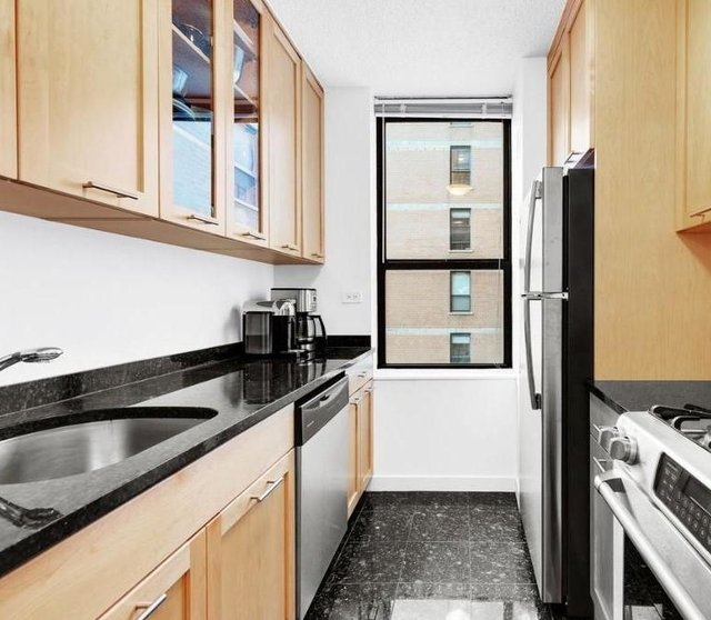 1 Bedroom, Yorkville Rental in NYC for $5,325 - Photo 1