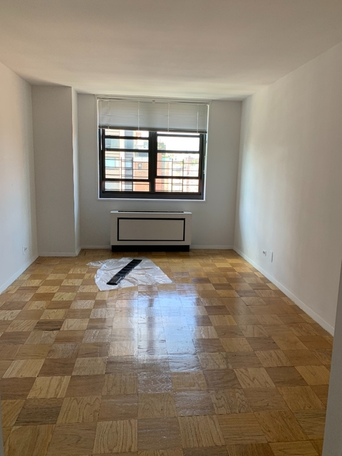 3 Bedrooms, Upper East Side Rental in NYC for $6,850 - Photo 2