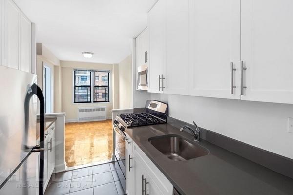 1 Bedroom, Rego Park Rental in NYC for $2,340 - Photo 1