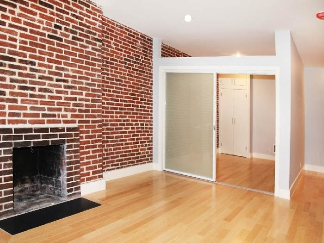 2 Bedrooms, Turtle Bay Rental in NYC for $4,581 - Photo 2