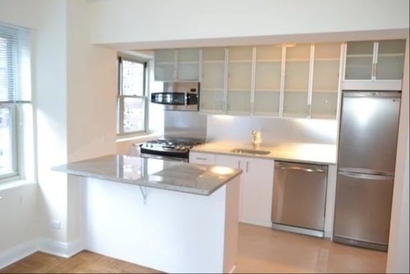 3 Bedrooms, Murray Hill Rental in NYC for $4,595 - Photo 1
