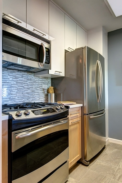 1 Bedroom, Roosevelt Island Rental in NYC for $2,700 - Photo 1