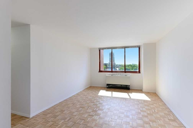 1 Bedroom, Roosevelt Island Rental in NYC for $2,700 - Photo 2
