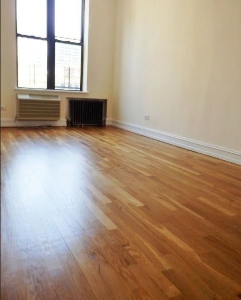 2 Bedrooms, Lenox Hill Rental in NYC for $4,000 - Photo 2