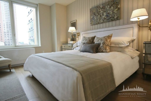 2 Bedrooms, Hell's Kitchen Rental in NYC for $6,400 - Photo 2