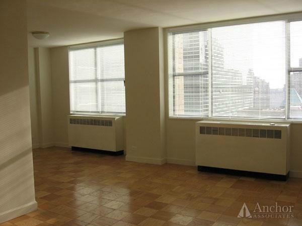 2 Bedrooms, Turtle Bay Rental in NYC for $5,351 - Photo 2