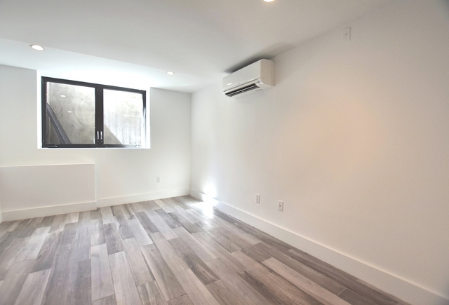 4 Bedrooms, Alphabet City Rental in NYC for $6,395 - Photo 2