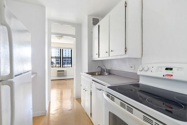 1 Bedroom, LeFrak City Rental in NYC for $2,442 - Photo 1