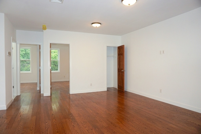 2 Bedrooms, Astoria Rental in NYC for $2,950 - Photo 2