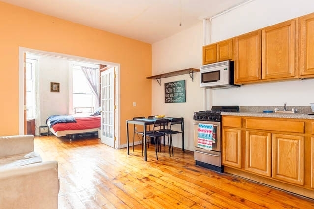 2 Bedrooms, East Village Rental in NYC for $3,699 - Photo 1