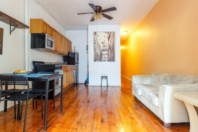 2 Bedrooms, East Village Rental in NYC for $3,699 - Photo 2