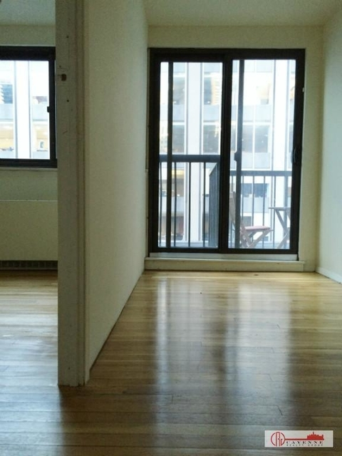 3 Bedrooms, Midtown East Rental in NYC for $4,900 - Photo 2