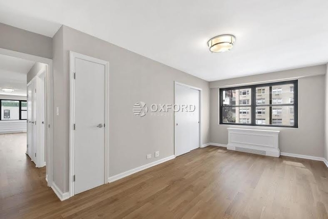 3 Bedrooms, Yorkville Rental in NYC for $5,950 - Photo 2