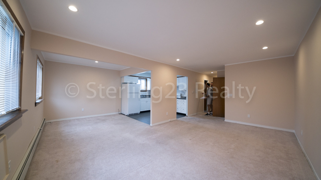 2 Bedrooms, Steinway Rental in NYC for $2,400 - Photo 2