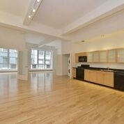 2 Bedrooms, Williamsburg Rental in NYC for $5,775 - Photo 1