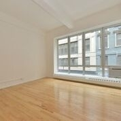 2 Bedrooms, Williamsburg Rental in NYC for $5,775 - Photo 2