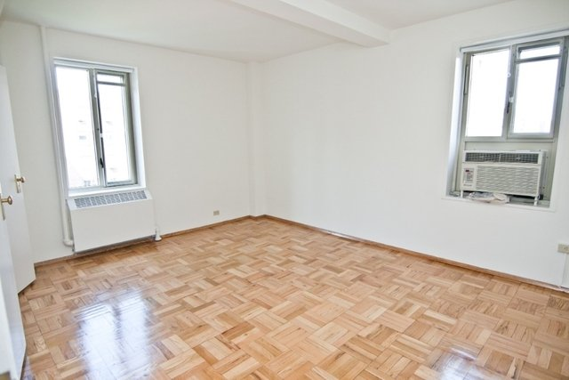 3 Bedrooms, Gramercy Park Rental in NYC for $4,695 - Photo 2