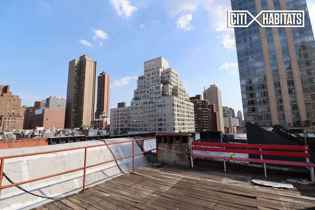3 Bedrooms, Yorkville Rental in NYC for $4,350 - Photo 2
