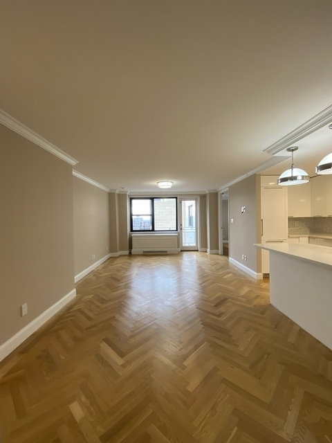 2 Bedrooms, Yorkville Rental in NYC for $5,835 - Photo 1
