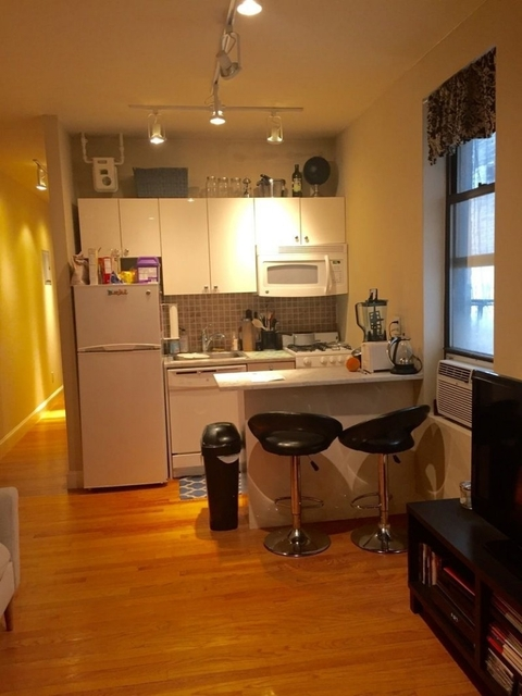 3 Bedrooms, Turtle Bay Rental in NYC for $4,250 - Photo 1