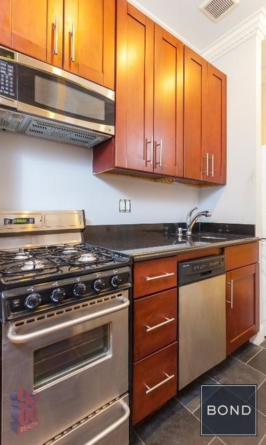 3 Bedrooms, West Village Rental in NYC for $6,495 - Photo 1