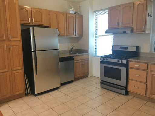 2 Bedrooms, Steinway Rental in NYC for $2,400 - Photo 1