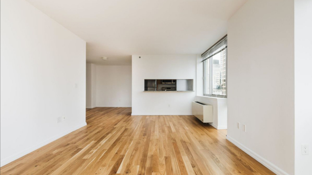 2 Bedrooms, Financial District Rental in NYC for $6,190 - Photo 2