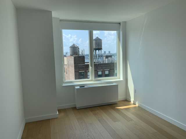 Room, Hell's Kitchen Rental in NYC for $1,800 - Photo 2