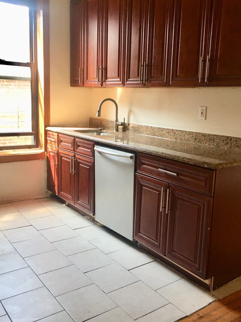 2 Bedrooms, South Slope Rental in NYC for $2,550 - Photo 1