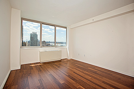 1 Bedroom, Hell's Kitchen Rental in NYC for $3,804 - Photo 2