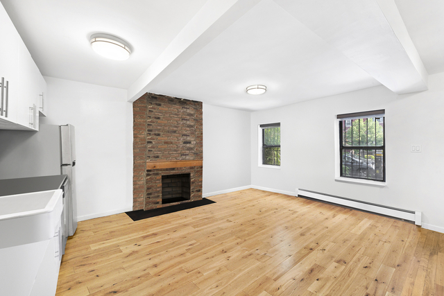 2 Bedrooms, South Slope Rental in NYC for $3,621 - Photo 1