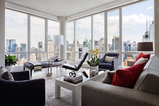 2 Bedrooms, Hell's Kitchen Rental in NYC for $6,695 - Photo 1