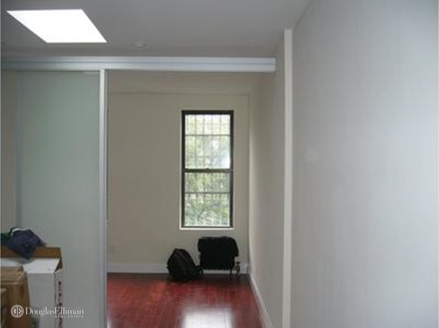 1 Bedroom, West Village Rental in NYC for $2,610 - Photo 2