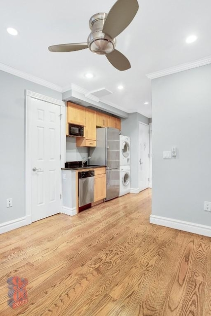 3 Bedrooms, Yorkville Rental in NYC for $5,095 - Photo 2