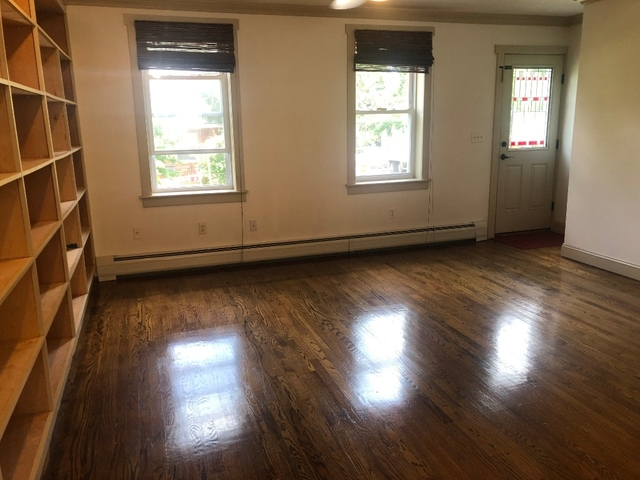 2 Bedrooms, New Brighton Rental in NYC for $2,300 - Photo 2