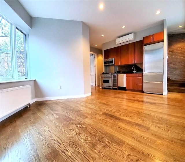 3 Bedrooms, West Village Rental in NYC for $9,495 - Photo 2