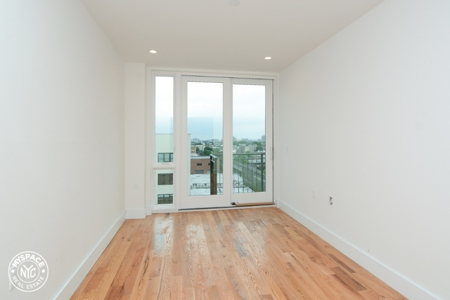 2 Bedrooms, Crown Heights Rental in NYC for $2,970 - Photo 2