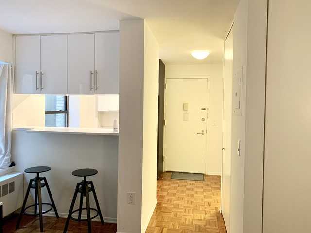 Studio, Chelsea Rental in NYC for $2,795 - Photo 2