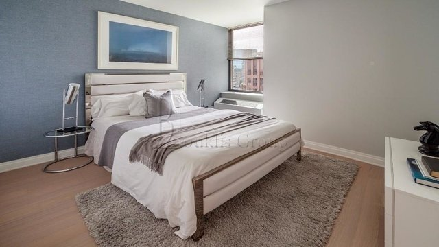 2 Bedrooms, Financial District Rental in NYC for $6,325 - Photo 2