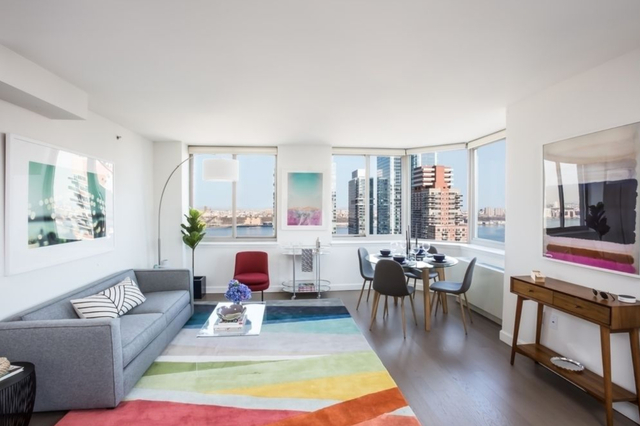 2 Bedrooms, Hell's Kitchen Rental in NYC for $5,235 - Photo 2