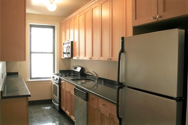 2 Bedrooms, Carnegie Hill Rental in NYC for $6,850 - Photo 1