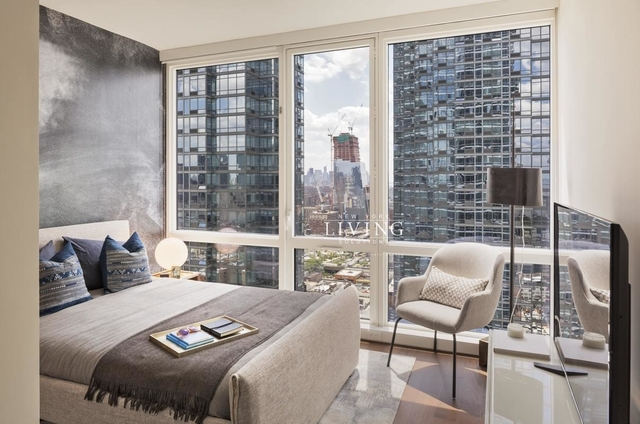2 Bedrooms, Hell's Kitchen Rental in NYC for $7,040 - Photo 1