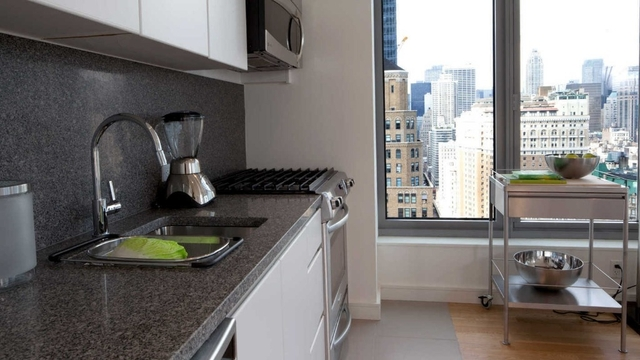 2 Bedrooms, Chelsea Rental in NYC for $7,031 - Photo 2