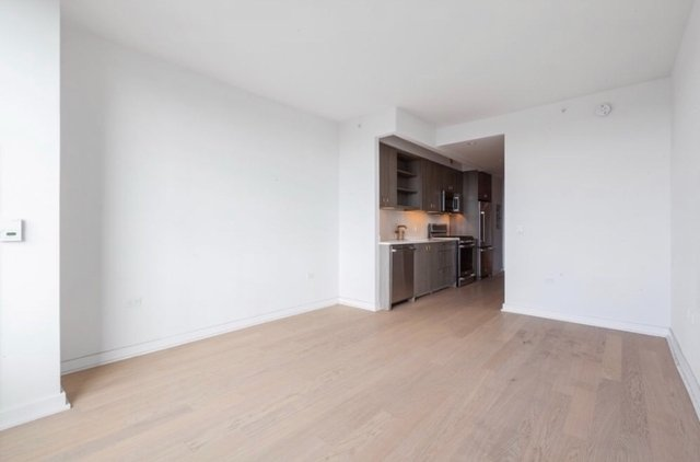 Studio, Hell's Kitchen Rental in NYC for $3,495 - Photo 2