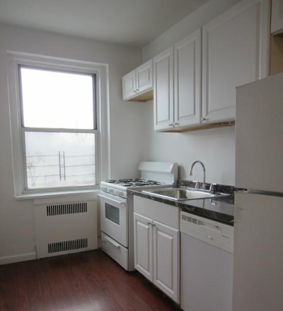 3 Bedrooms, Kensington Rental in NYC for $2,775 - Photo 1