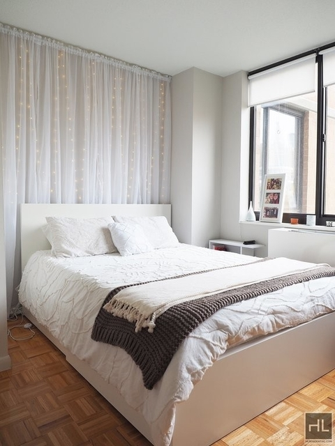 3 Bedrooms, Rose Hill Rental in NYC for $5,775 - Photo 2