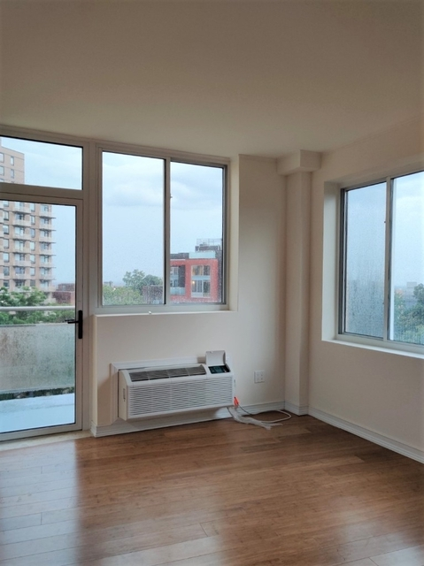 2 Bedrooms, Kew Gardens Rental in NYC for $2,756 - Photo 2