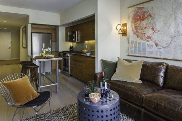 1 Bedroom, Hell's Kitchen Rental in NYC for $3,875 - Photo 2