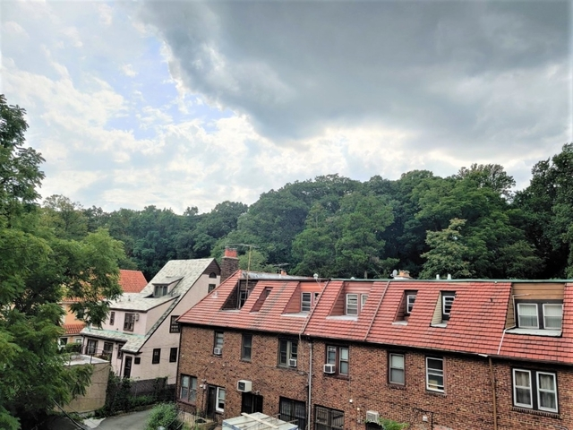 2 Bedrooms, Kew Gardens Rental in NYC for $2,425 - Photo 1